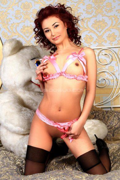 Проститутка Я в мини, на шпильках без трусиков!